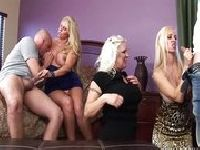 Orgia z napalonymi mamuśkami