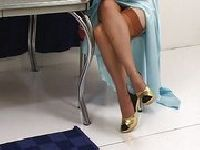 Justine Joli pokazuje swoje długi nogi