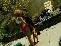Jade i Justine publicznie się minetkują