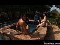 Cipkowa impreza na basenie