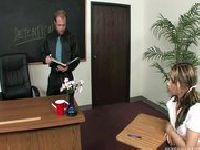 Blowjob przy biureczku