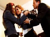 Dwie uczennice gwałcone przez nauczyciela