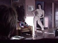 Żonka robi striptiz