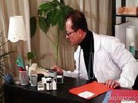Analna dziewica u lekarza