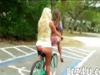 Golaski na rowerach