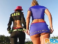Pani strażak i jej koleżanka z policji