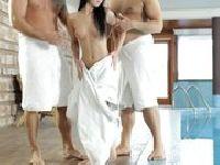 Sauna z dwoma penisami