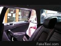 Modelka wsiada do fałszywej taksówki