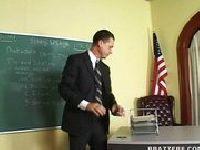 Nikki Benz przychodzi do nauczyciela