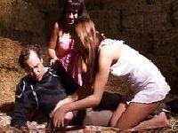 Prostytutki dzielą się penisem kolegi