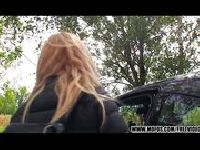 Gorąca Czeszka wydymana na parkingu w lesie