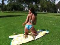 Squirt na trawie