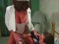 Pielęgniarka jęczy na chuju