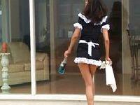 Pokojówka stara się jak tylko potrafi