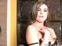 Striptizerka przychodzi do domu klienta