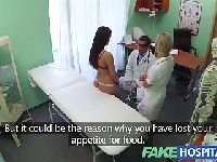 Położyła się przed doktorkami