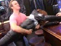Zerżnięta w barze