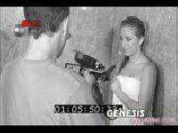 Jaelyn Fox w czarno-białym filmie