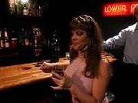 Upolował sukę przy barze