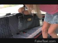 Wsiada do taksówki zboczeńca