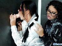 Victoria Blaze i Mia Manarote bawią się chujem