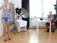 Blondyna na castingu