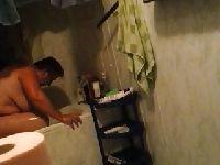 Polska babcia w łazience