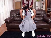 Tryskająca uczennica z Japonii