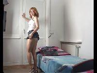 Warszawska uczennica przed kamerką