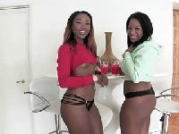 Dwie czarne mamby