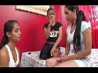Erotyczne znęcanie nad młodszą siostrą
