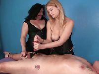 Duet ponętnych masażystek