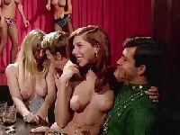 Poderwali striptizerki z klubu
