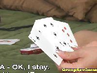 Przegrała dziewictwo w pokera