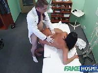 Lekarz lubi bzykać nowe pacjentki