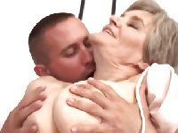 Napalony kochanek babci