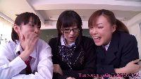 Japońskie uczennice próbują spermy