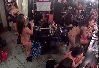 Podglądanie striptizerek w garderobie