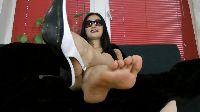 Azjatka wyjmuje stópki ze swoich seksownych szpilek