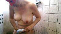 Ukryta kamera pod prysznicem