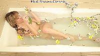 Anielska piękność w wannie