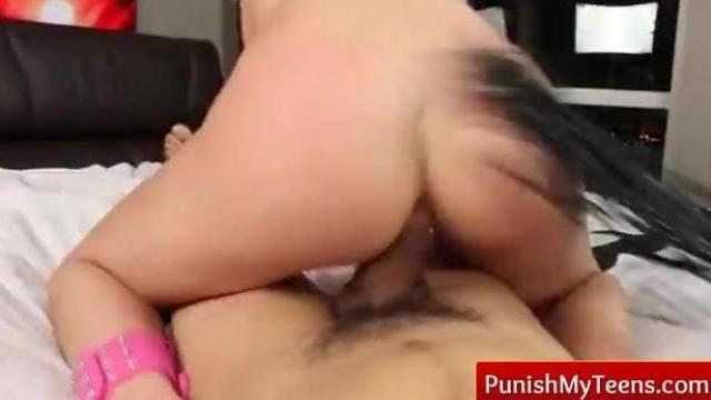 Gwałt na małej blondyce