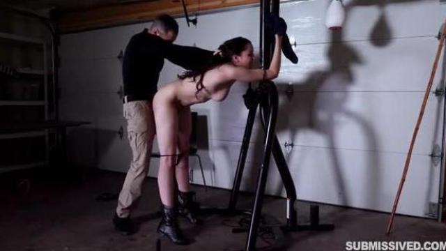 Torturowanie zakładniczki