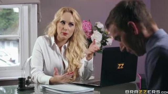Szef nie daje rady jej wyuzdanej fantazji
