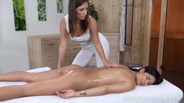Lesbijski seks analny
