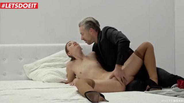 Romantyczny sex narzeczonej pary