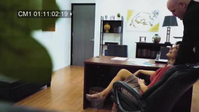 Seks w biurze złapany na kamerze