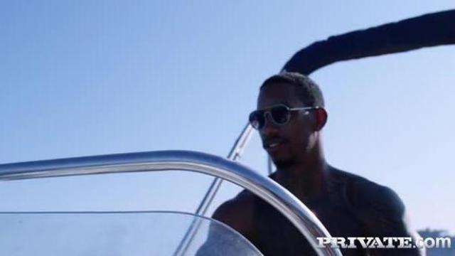Erotyczna przejażdżka na łodzi
