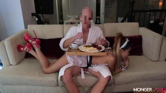Azjatycka kurwa niewolnicą w hotelu